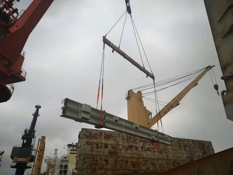 钢结构件起吊