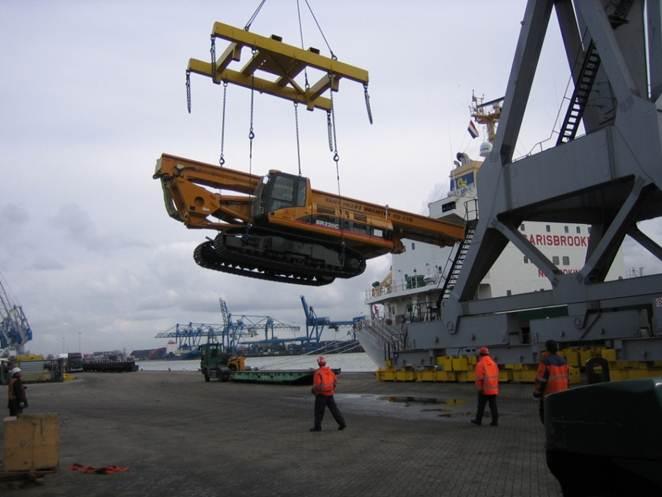 德国内河驳船中转吊装
